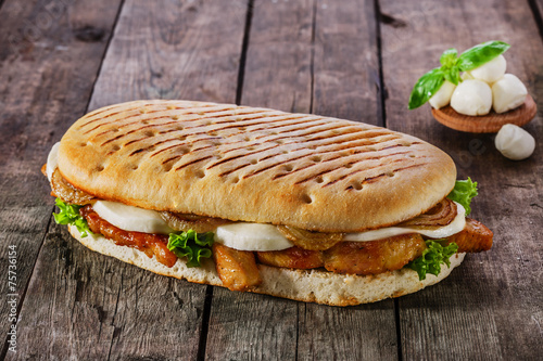 Staande foto Snack grilled sandwich with chicken and mozzarella cheese