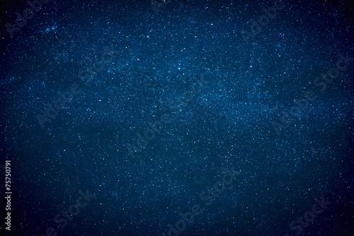 nocne-ciemne-niebo
