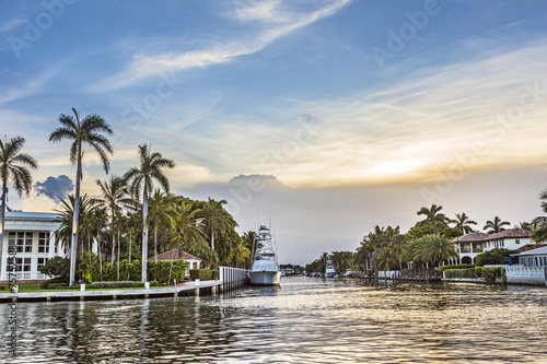 luxurious waterfront homes and yachts at the canal in Fort Laude Fotobehang