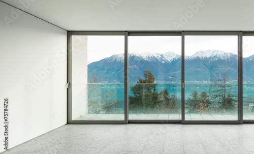 szeroki-apartament-pokoj-z-oknami