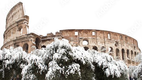 Foto op Aluminium Rome Coliseum with snow, Rome.