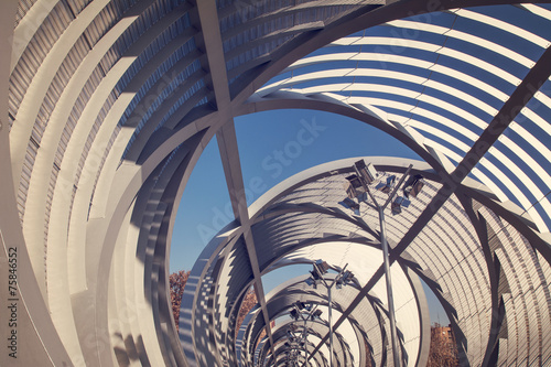 Photo Arganzuela Bridge in Madrid Rio Park, Madrid, Spain.