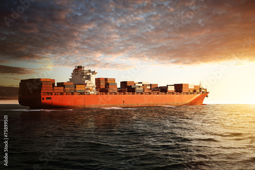 Fotografía  Barco de carga