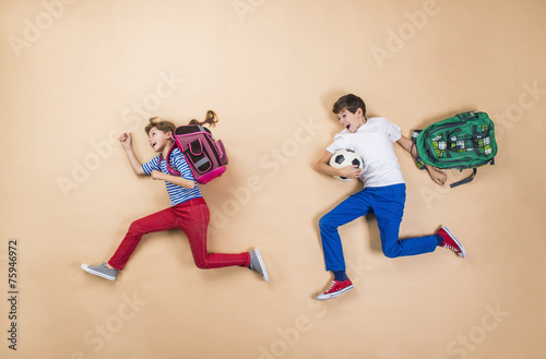 Fotografie, Tablou  Children running to school