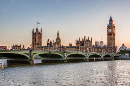 Photographie  Chambres du Parlement et Big Ben au crépuscule, Londres