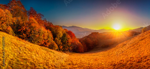 Spoed Foto op Canvas Oranje eclat Colorful autumn landscape