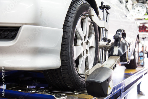 Photo Wheel alignment of a vehicle