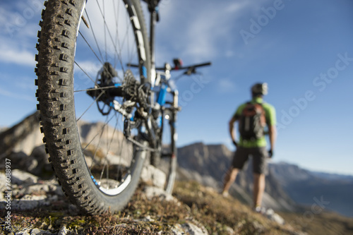Fototapeta Mountain biking on call