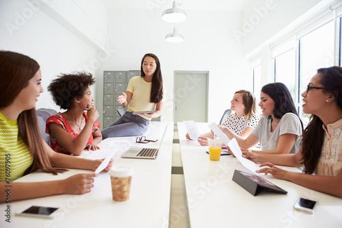 Fototapeta Group Of Women Working Together In Design Studio obraz na płótnie