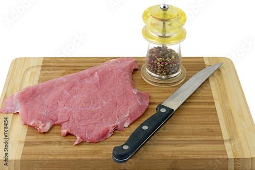 Fotografie, Obraz  escalopes de veau crue en préparation sur planche