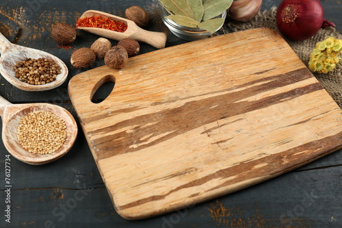 Foto auf Leinwand Gewürze 2 Different spices and herbs with cutting board