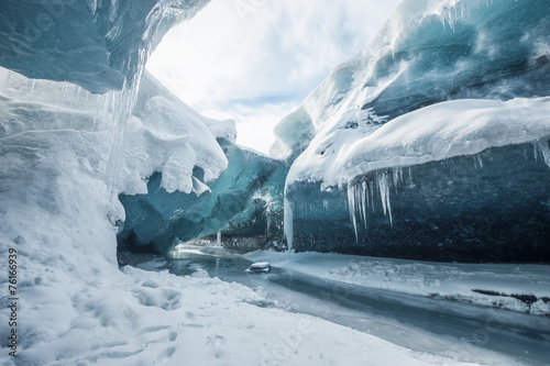 Printed kitchen splashbacks Glaciers Inside the glacier
