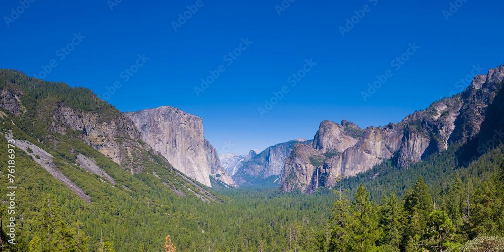 Photo  Yosemite Valley