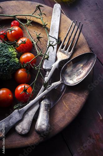 warzywo-w-drewnianej-tablicy