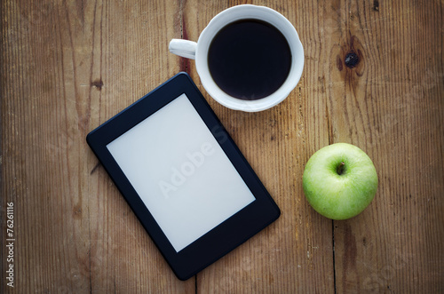 Fotomural E-book reader and coffee