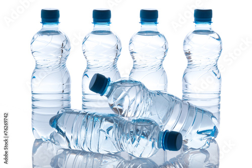 Papiers peints Eau Bottles with water