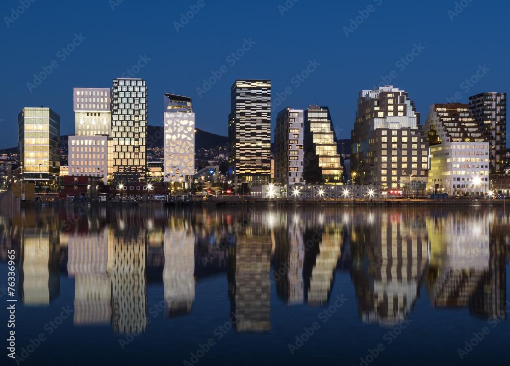 Fotografering  Oslo Skyline by night 2015