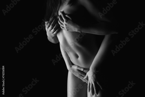 Photo Black and white photo of two passion girls