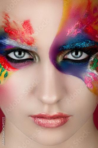 Fototapeta Девушка с креативным  красочным макияжем obraz na płótnie