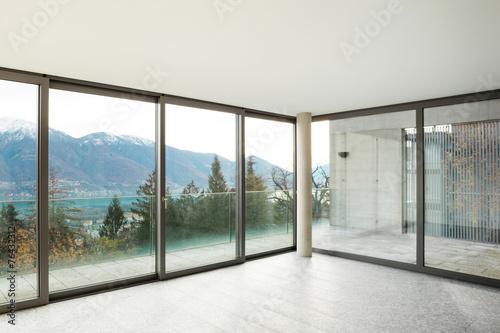 puste-mieszkanie-pokoj-z-oknami