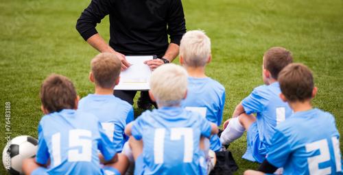 Fotografie, Obraz  Soccer football coach tactic strategy speech. kids listening.