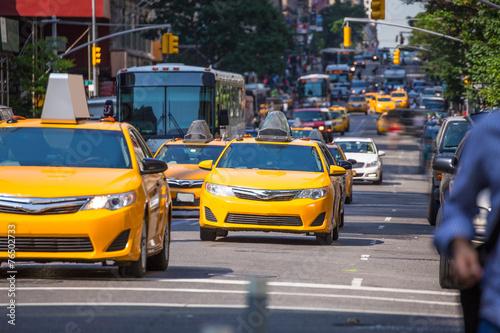 Foto op Plexiglas New York TAXI Fift avenue yellow cab 5th Av New York Manhattan