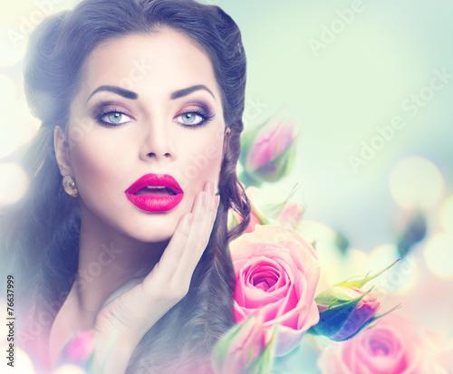 Foto op Plexiglas Beauty Retro woman portrait in pink roses. Vintage styled portrait