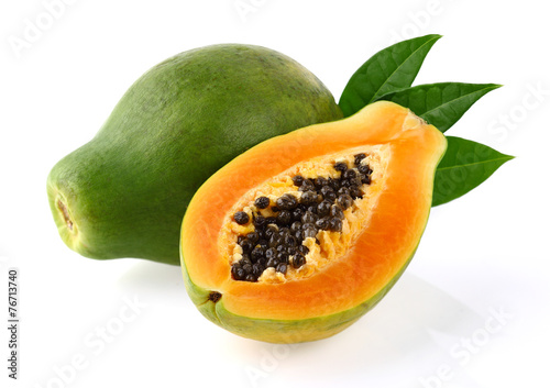 Photo  Papaya with leaves