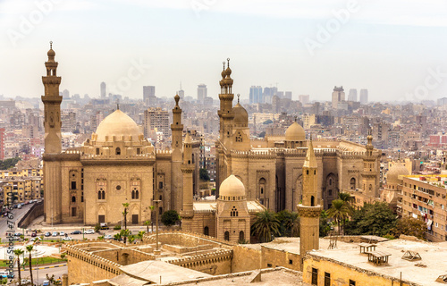 Staande foto Afrika View of the Mosques of Sultan Hassan and Al-Rifai in Cairo - Egy