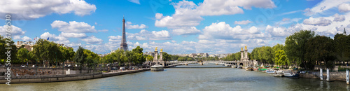 Obraz Eiffel Tower and bridge Alexandre III - fototapety do salonu