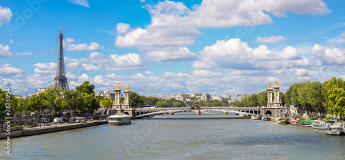 Foto op Plexiglas Historisch geb. Eiffel Tower and bridge Alexandre III