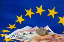 Euro-Münzen Und Euro-Banknote...