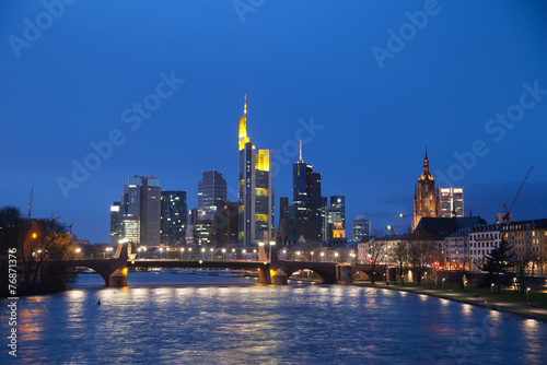 Foto op Canvas Texas The view of Frankfurt's skyscrapers at dusk time from bridge