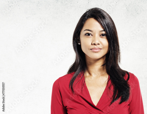 Fotografia  Asian Lady Portrait Concrete Wall Background Concept