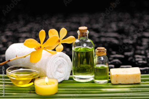 Spoed Foto op Canvas Spa Spa still life with of beautiful orchid and oil, soap