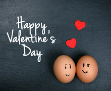 Funny Eggs In Love - Valentine...