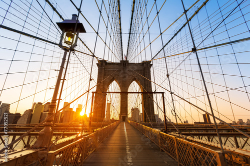 In de dag New York Brooklyn Bridge sunset New York Manhattan