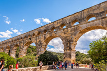 Célèbre Aqueduc Romain, Le Pont Du Gard, Près D'Avignon, Dans Le Gard, En Occitanie, France