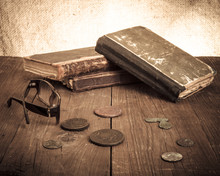 Vintage Books And Coins And Sp...