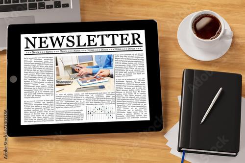 Fotografía  Newsletter online auf Tablet Computer