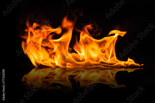 fototapeta na lodówkę Piękne stylowe płomienie ognia
