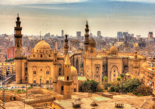 Tuinposter Egypte View of the Mosques of Sultan Hassan and Al-Rifai in Cairo - Egy
