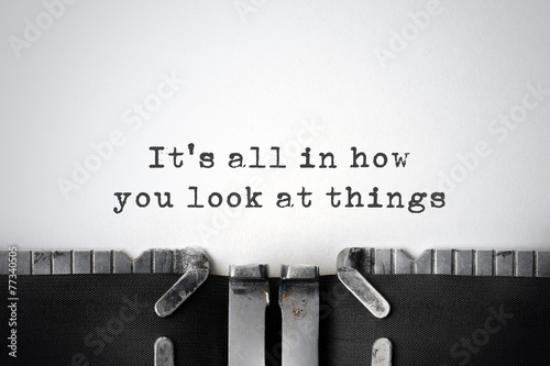 Fotografia  Perspectives. Inspirational quote typed on an old typewriter.