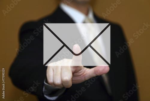 ビジネスマンとメール Fototapete