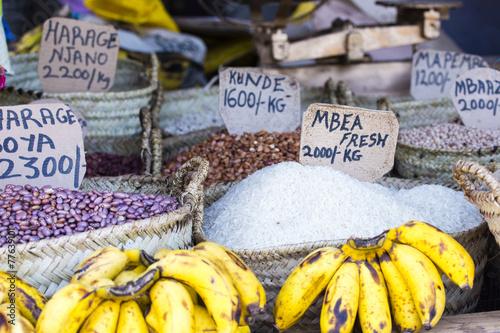 Staande foto Afrika Traditional food market in Zanzibar, Africa.