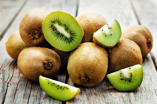 La pose en embrasure Fruits kiwi