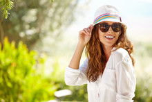 Smiling Summer Woman With Hat ...