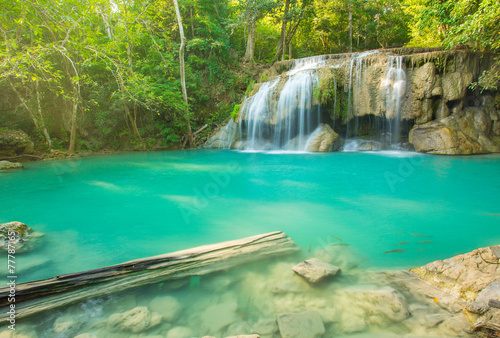 In de dag Groene koraal Beautiful Erawan Waterfall in Erawan National Park, Kanchanaburi
