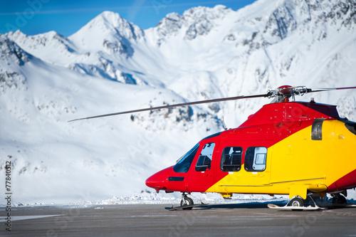 Fotografering  Hubschrauber in den Bergen