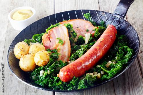 Deurstickers Klaar gerecht Gourmet German Cuisine on Pan with Mustard on Side